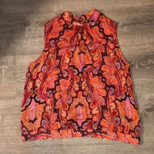 Paisley pattern sleeveless shirt